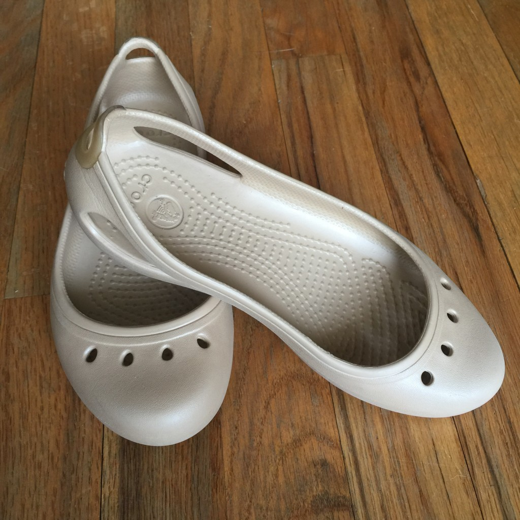 DIY: How to Stretch or Shrink Crocs Shoes for a Better Fit